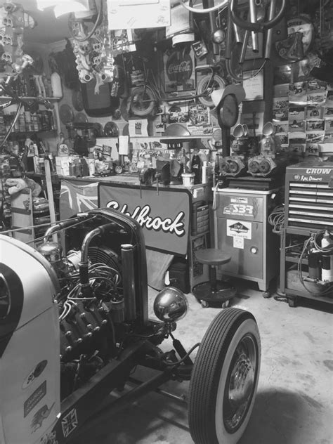 Projects - hotrod garages at night pic's | The H
